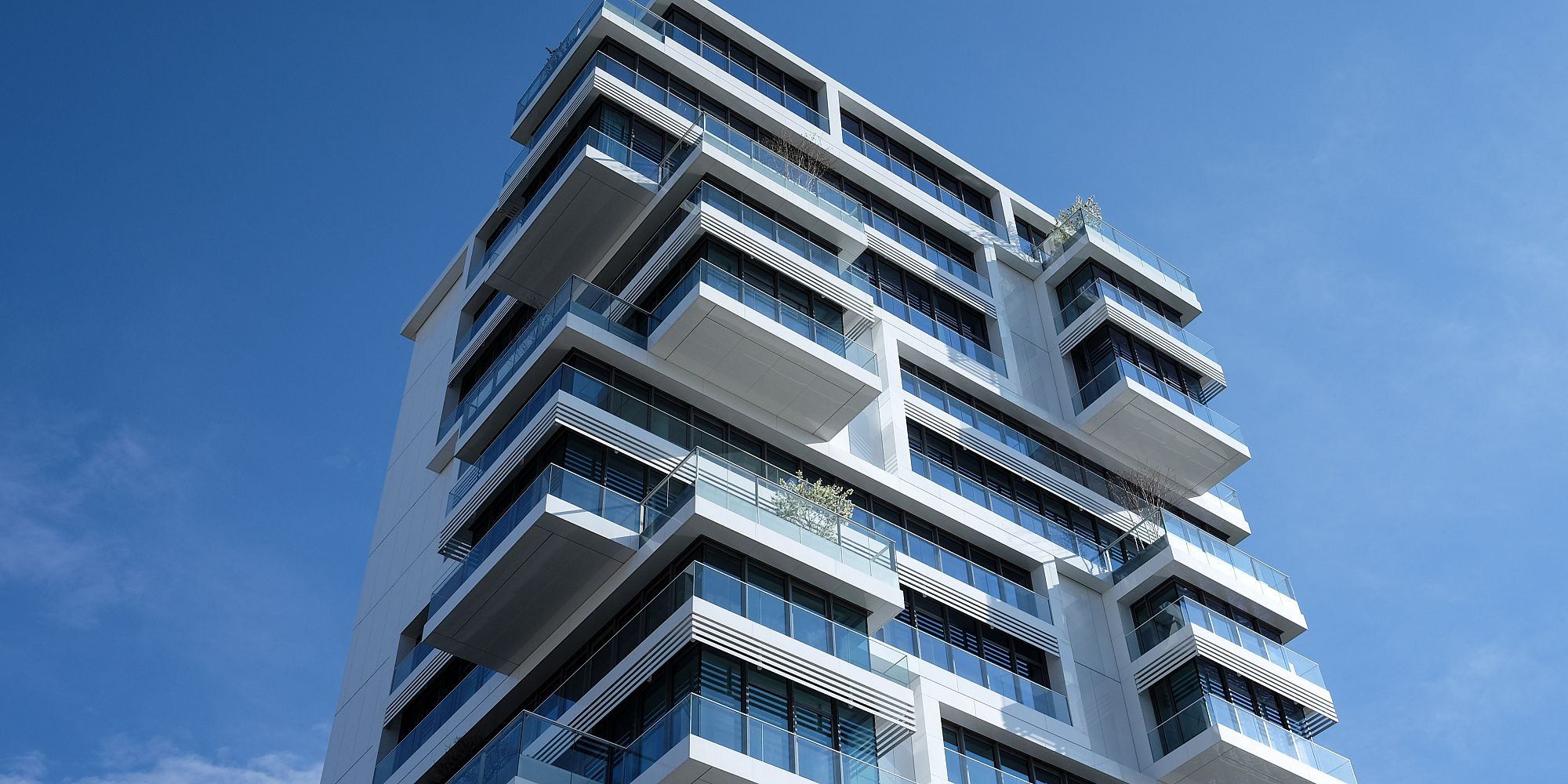 What are the benefits of living in a condo?